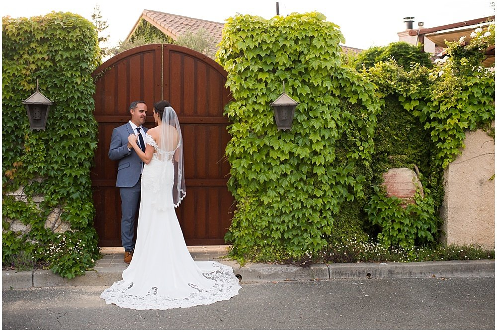 Bride and groom outside General's Daughter Wedding by chloe jackman photography