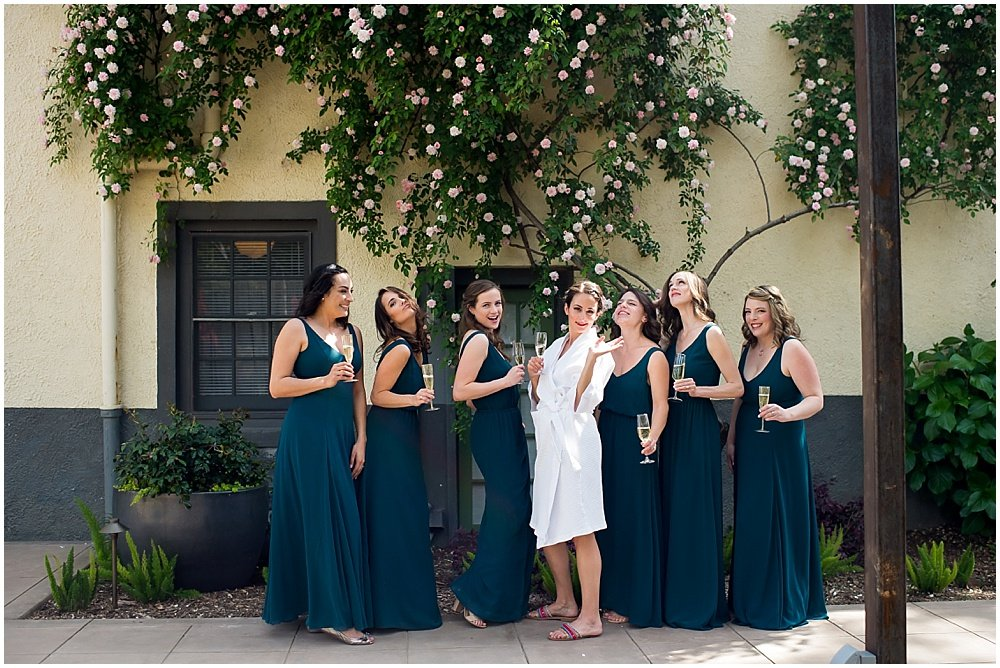 Bride and bridesmaids group photo at General's Daughter Wedding by Chloe Jackman Photography