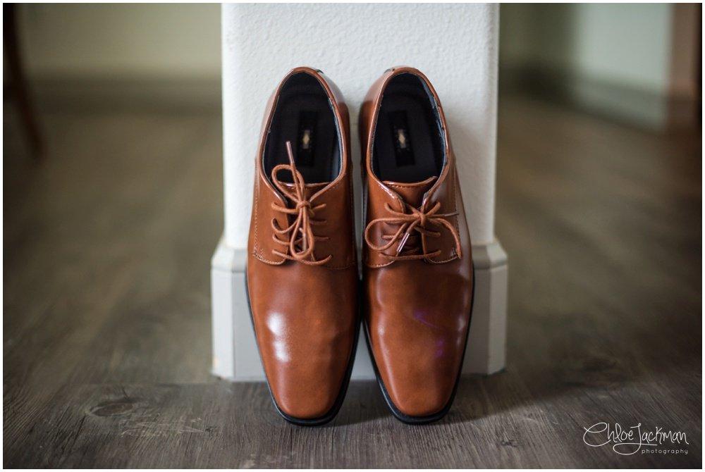 groom's wedding shoes