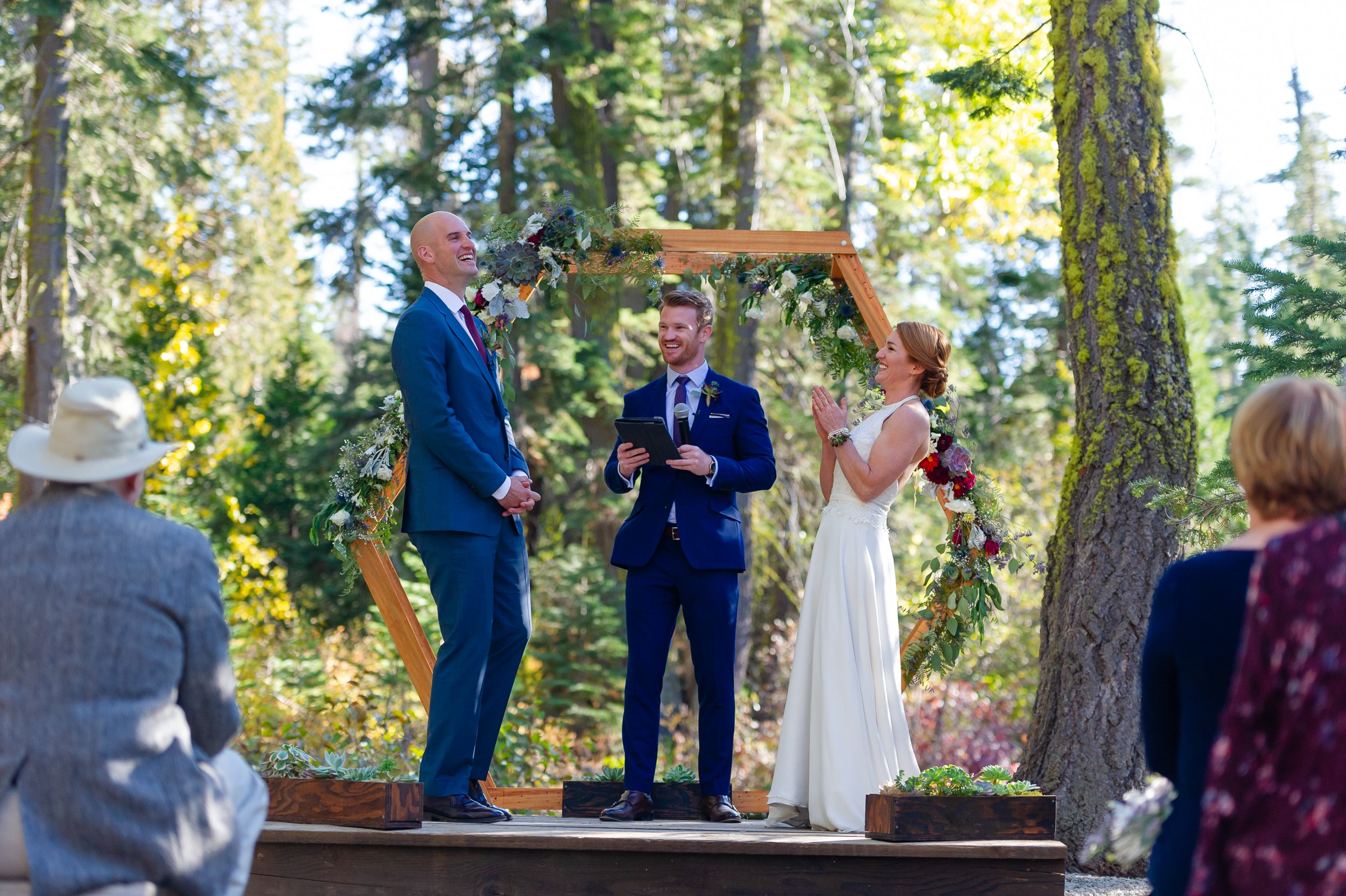 Gray Eagle wedding ceremony by chloe jackman photography