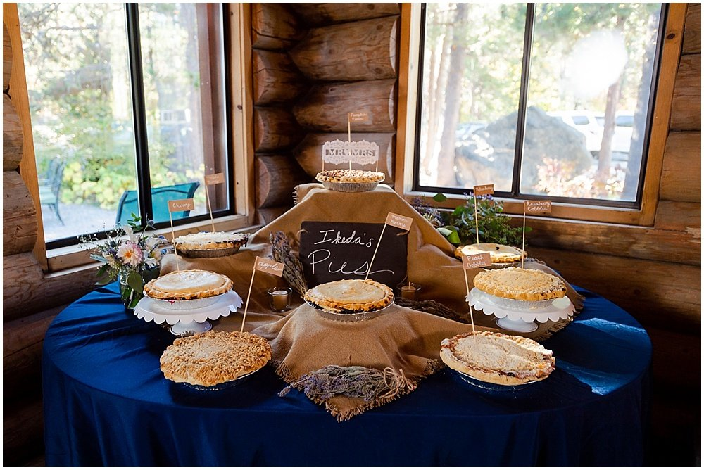 wedding pie at eagle lodge wedding