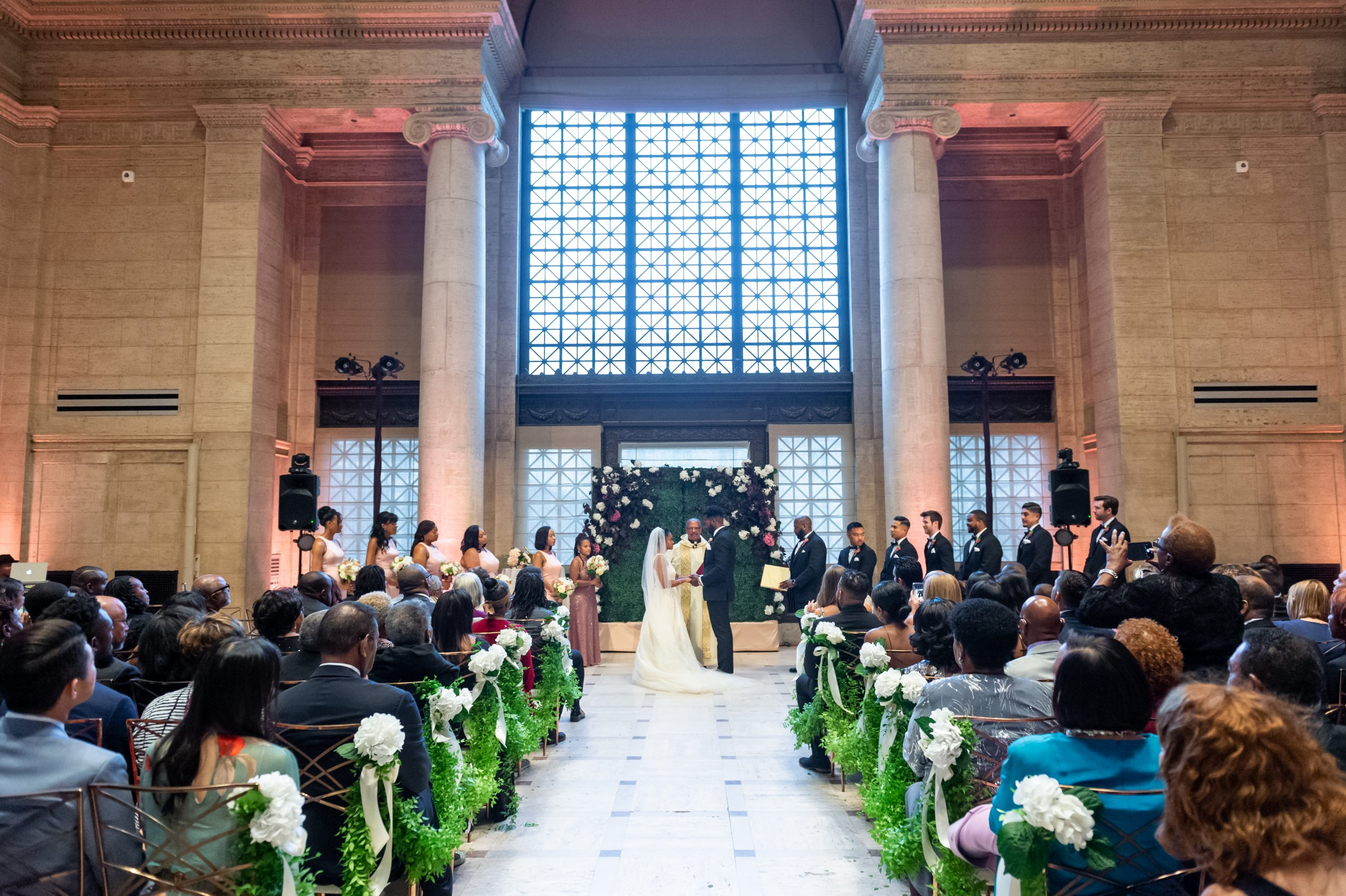 wedding ceremony at san francisco asian art museum wedding by chloe jackman photography