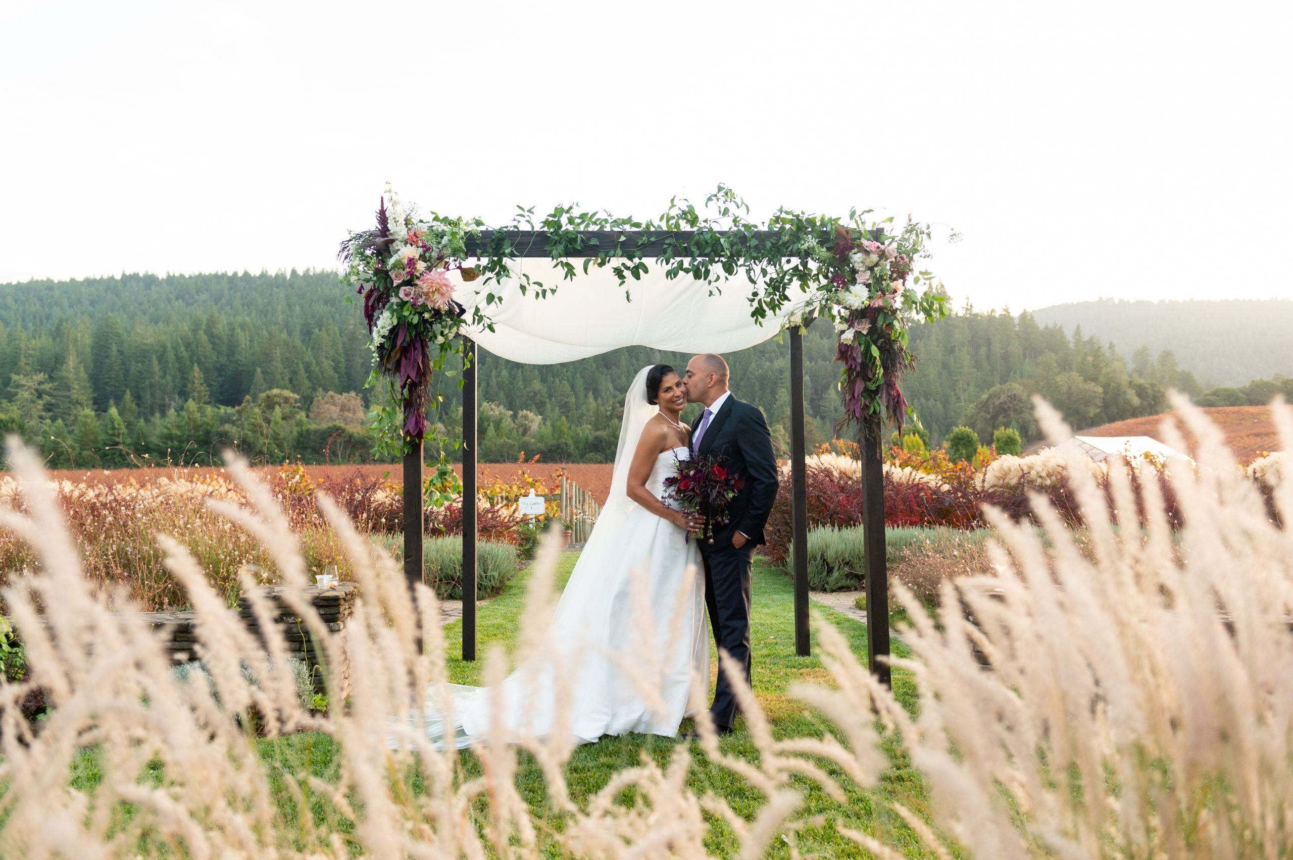 leah and david at golden eye winery wedding by chloe jackman photography
